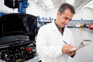 La formation de conseiller technique automobile est ouverte tant aux hommes qu'aux femmes
